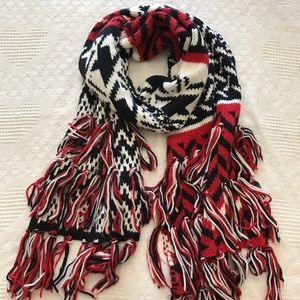 Abercrombie Knitted Tassel Scarf